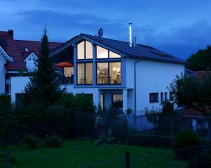 Ein schönes Holzhaus